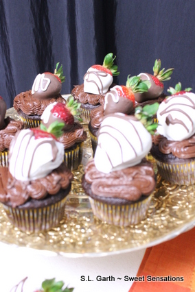 strawberry dipped cupcakes 3