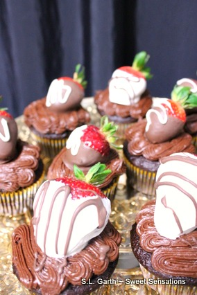 strawberry dipped cupcakes 4