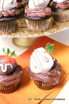 strawberry dipped cupcakes 7