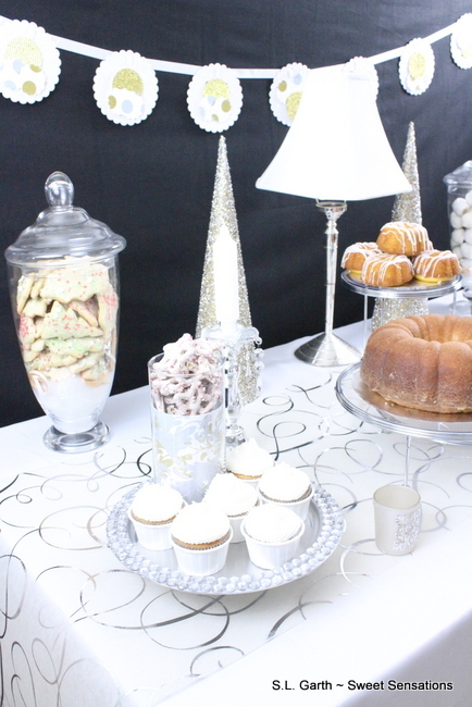 Holiday Dessert Table 14