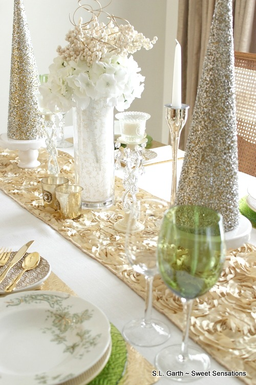 This Elegant Ivory and Gold Christmas Tablescape is festive and filled with lots of shimmer.