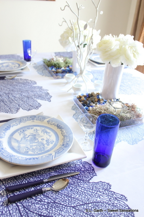 This Blue and White Tablescape with an Asian Influence gave me the chance to use this tablecloth again but with a different feel.