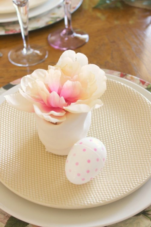 This Fern and Floral Spring Tablescape celebrates the beginning of spring and gives a slight nod to the upcoming Easter holiday.